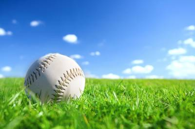 b2ap3_thumbnail_Baseball-in-Grass.jpg